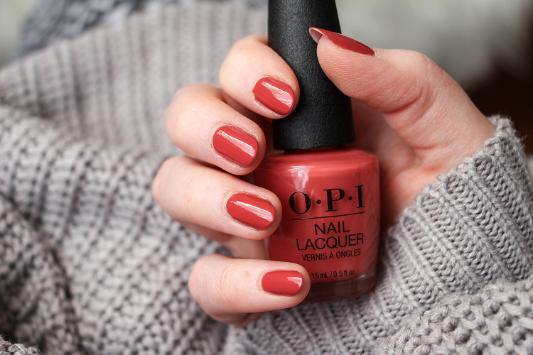 Vernis OPI My Solar Clock is Ticking Swatch